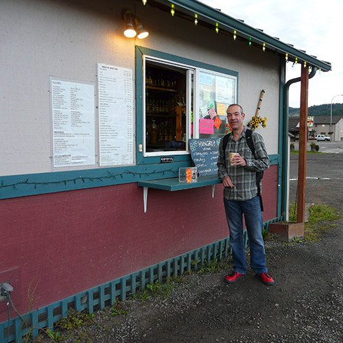Saddle Mountain Hostel - Coffee shack in Forks, Oregon